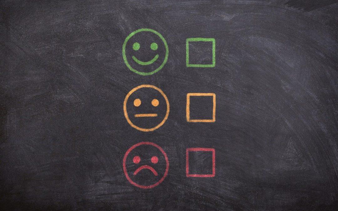 Strach przed oceną, krytyką w biznesie – skąd się bierze? Jak sobie z nim radzić?